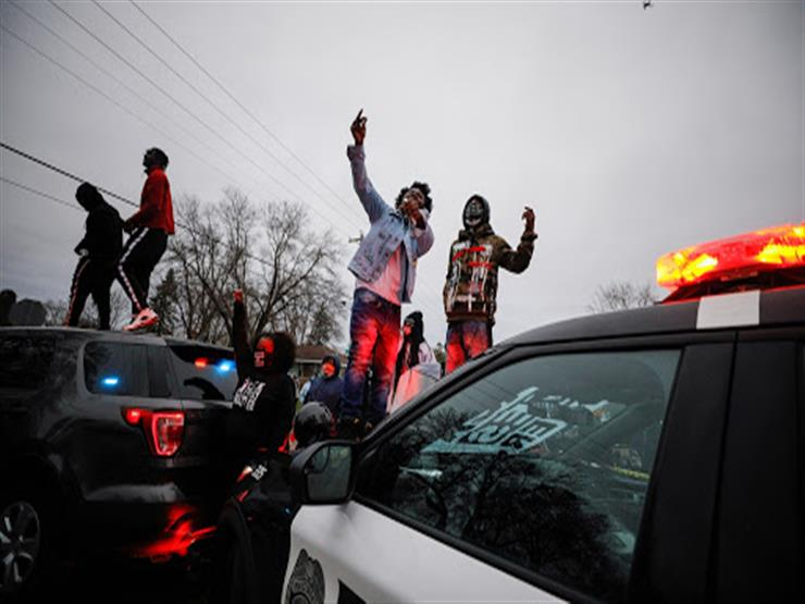 احتجاجات في مينيابوليس بعد مقتل أمريكي أسود على أيدي الشرطة