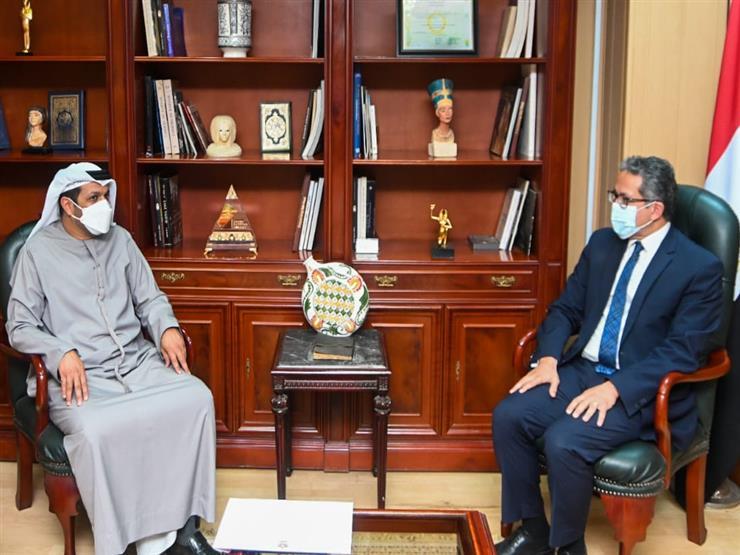 العناني يبحث مع السفير الإماراتي بالقاهرة تعزيز سبل التعاون السياحي والأثري