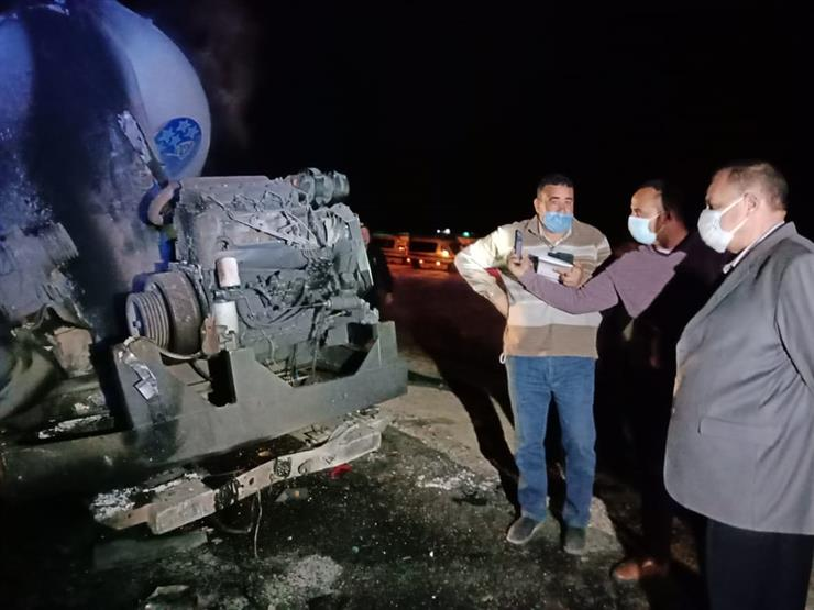 20 وفاة حتى الآن.. لحظة اشتعال النيران بأتوبيس ركاب حادث أسيوط (فيديو)