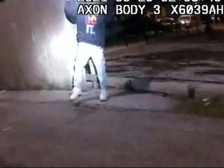 فيديو لشرطي يقتل فتى عمره 13 عامًا يثير صدمة في الولايات المتحدة