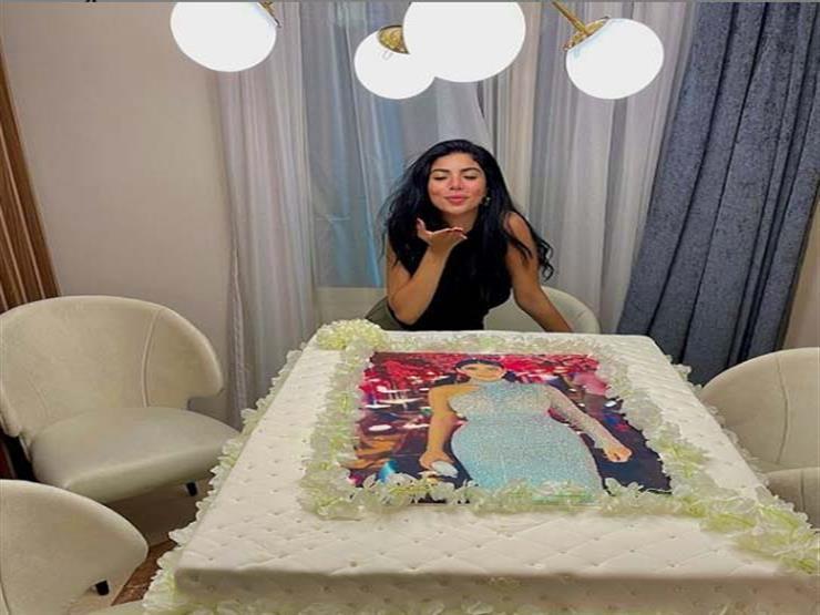 صور| كارولين عزمي تحتفل بعيد ميلادها