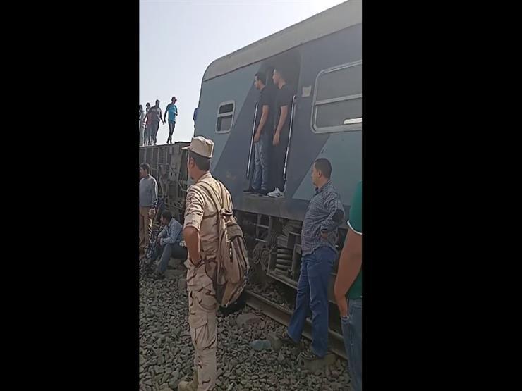 فزع و صُراخ.. لقطات من حادث انقلاب 4 عربات بقطار طوخ  (فيديو)