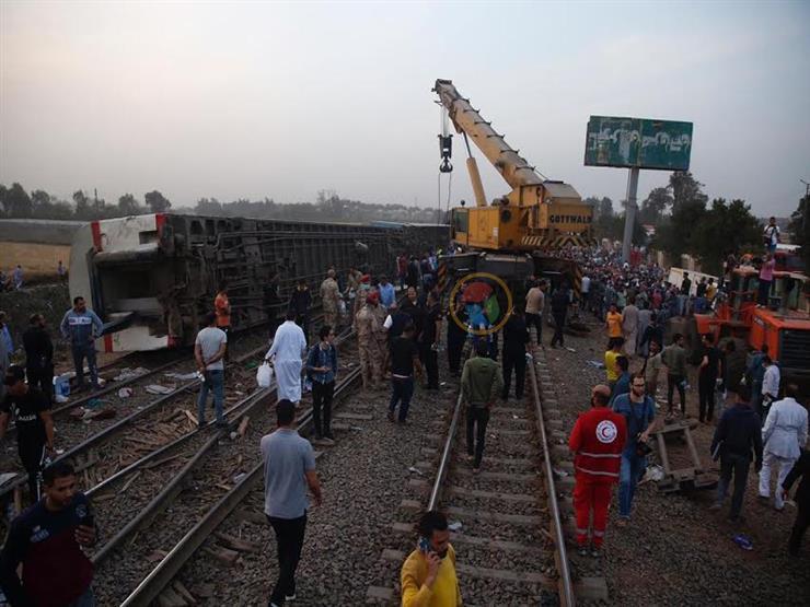 حادث قطار طوخ.. تصور مبدئي للنيابة: انفصال قواعد العربات وانقلابها
