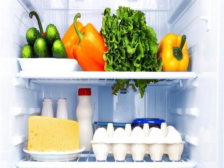 8 أطعمة احذري وضعها في الثلاجة.. منها الطماطم