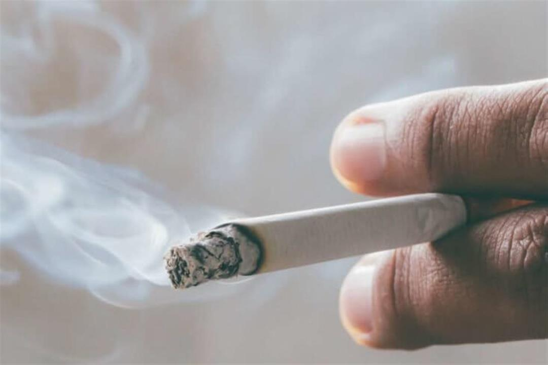 دراسة تحذر: التدخين يزيد من خطر الإصابة بالخرف والجلطات الدماغية