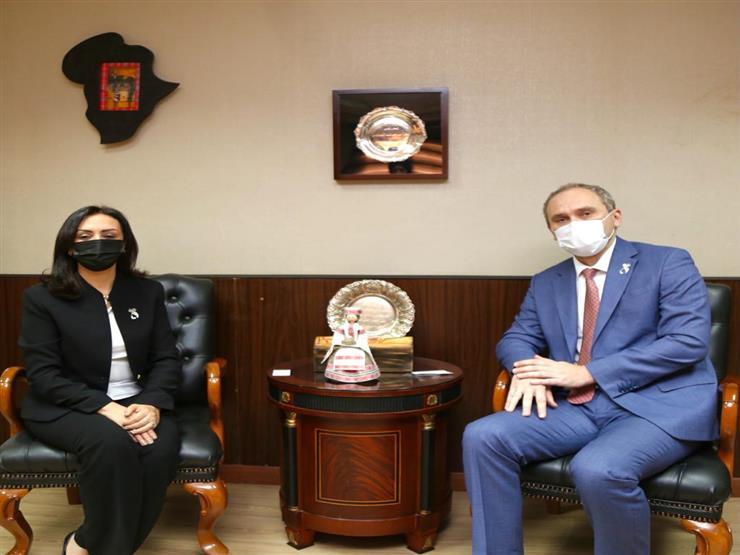 سفير بيلاروسيا يشيد بدعم الدولة المصرية للنهوض بأوضاع المرأة