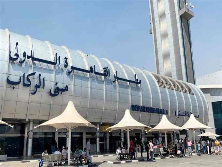 """بينهم هنود.. الحجر الصحي يكتشف 10 ركاب مصابين بـ""""كورونا"""" فور وصولهم مطار القاهرة"""