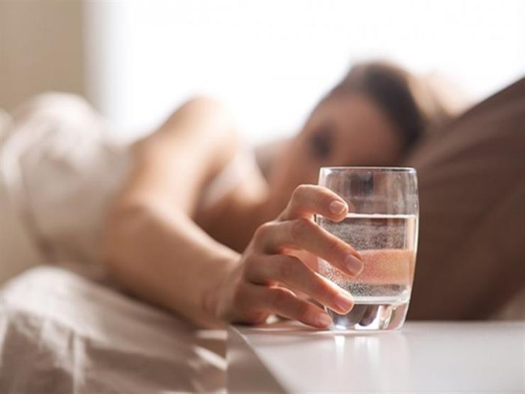 بعد السحور.. احذر شرب الماء قبل النوم مباشرة