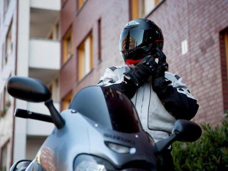 الملابس جزء أساسي في تجهيزات السلامة لقائدي الدراجات النارية