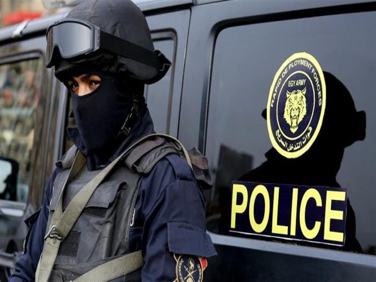 مصدر أمني يكشف تغريم ضابط شرطة 50 جنيها لعدم ارتداء الكمامة داخل المحكمة