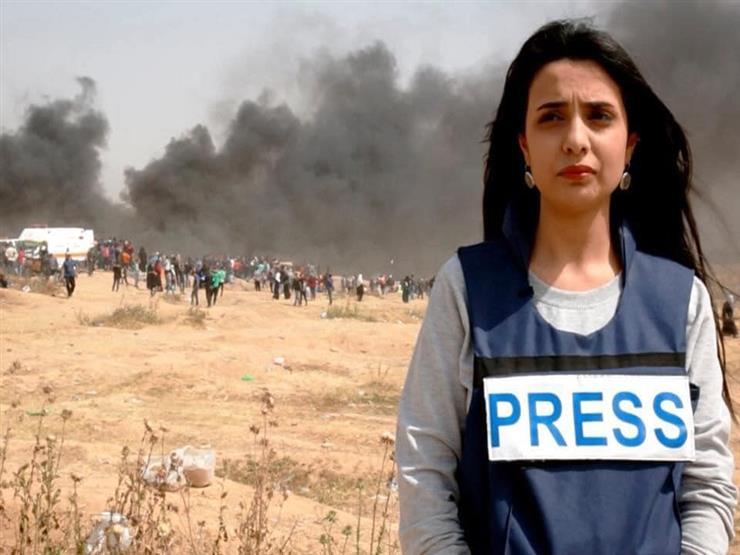 """ما قصة الصحفية رواء مرشد التي ضربتها شرطة """"حماس"""" لكونها غير محجبة؟"""