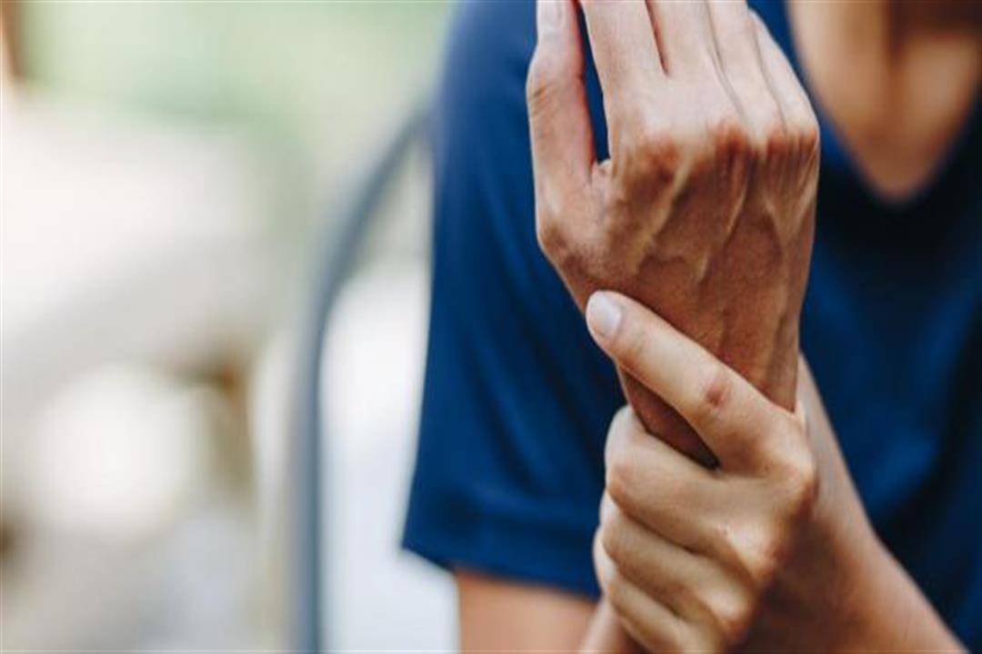 نقص فيتامين د.. كيف يؤثر على نشاط الحمى الروماتيزمية عند البالغين؟