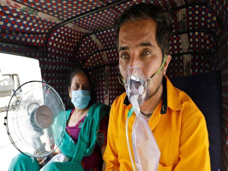 """بريطانيا تعيد تصنيف سلالة فيروس كورونا الهندية بـ """"سلالة مثيرة للقلق"""""""