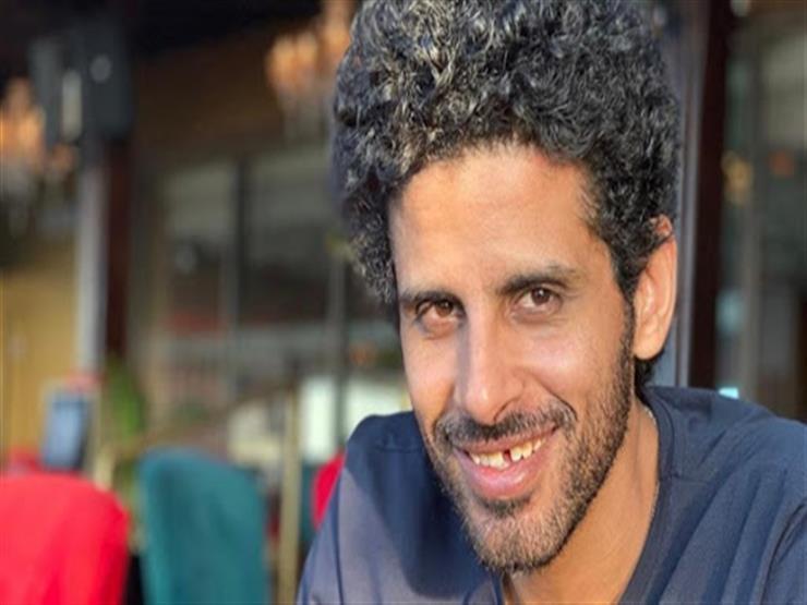 """""""ربنا يطمن زوجتك وبناتك"""".. حمدي الميرغني يطلب الدعاء لـ كريم فهمي"""