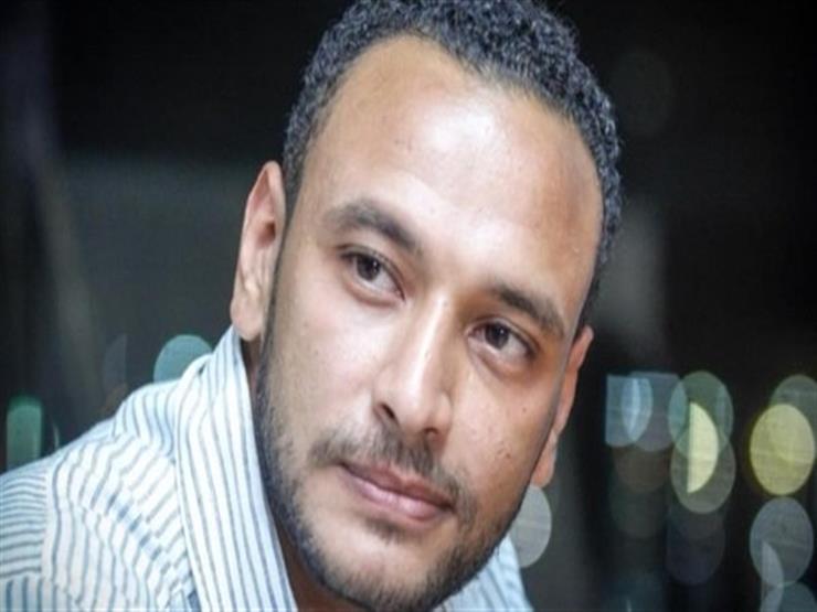 أحمد خالد صالح يطالب جمهوره بالدعاء لوالدته بعد إصابتها بكورونا