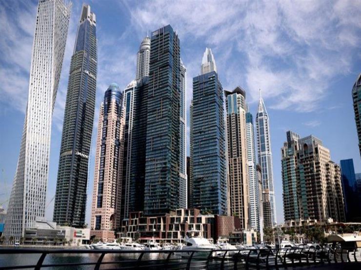 دبي ترحل 13 سائحا أجنبيا بسبب التقاط صور عارية في شرفة