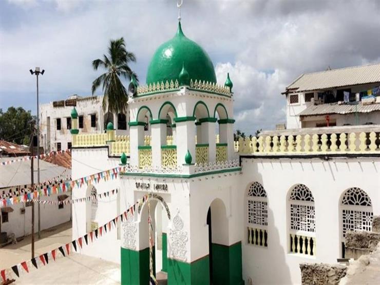 """مسجد لامو في كينيا: غضب بسبب """"تي شيرت"""" ارتداه جاي زي"""