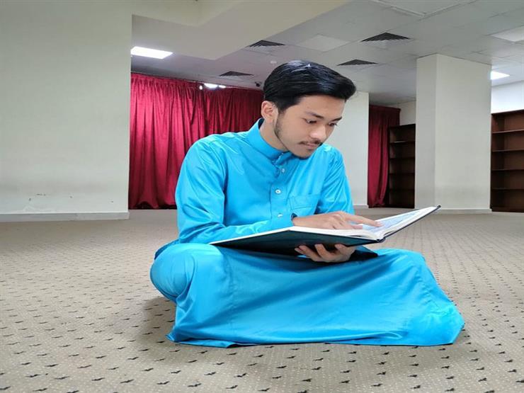 """مقرئون حول العالم (5) كيف أنقذ القرآن """"الفاتح"""" الماليزي من هموم الدنيا؟"""