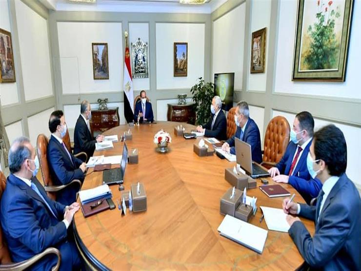 السيسي يعرب عن تقديره لإسهامات القطاع المصرفي في دعم مسيرة التنمية والمشروعات القومية