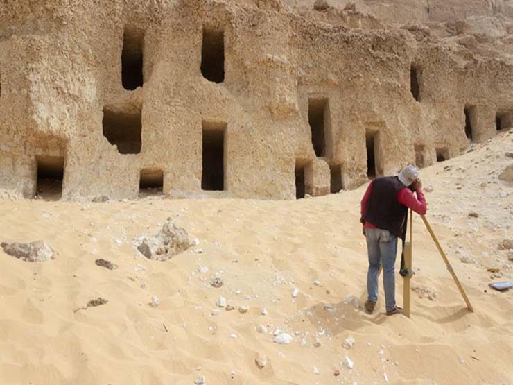 """""""مصر لا تنضب أبدًا""""...آثار مصر العليا عن اكتشاف الـ 250 مقبرة الأثرية بسوهاج"""
