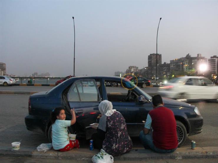 صُحبة حلوة.. حكايات الإفطار الرمضاني في شوارع القاهرة (صور)