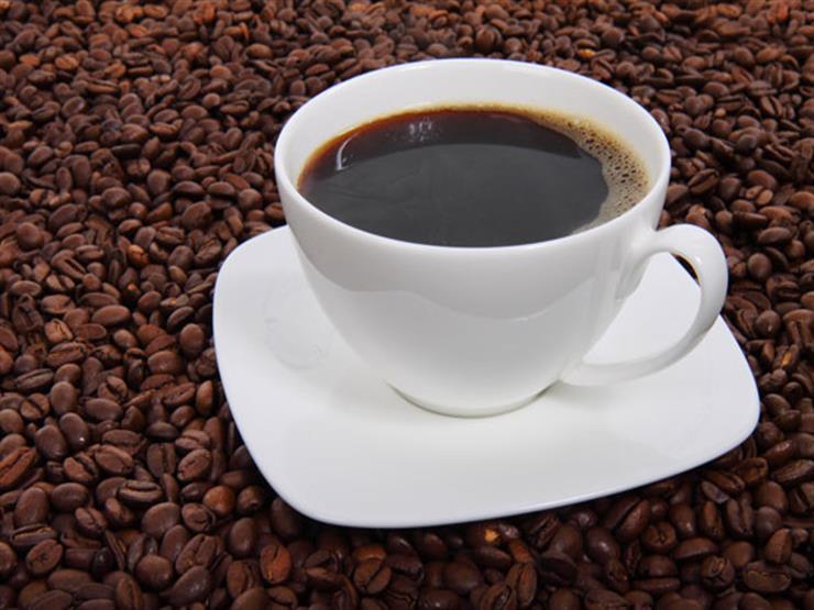 لهذا السبب.. طبيبة تحذر من تناول القهوة قبل تناول الطعام مباشرة أو بعده