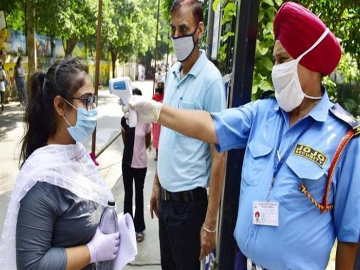 الهند تسجل أكثر من 326 ألف إصابة جديدة بفيروس كورونا