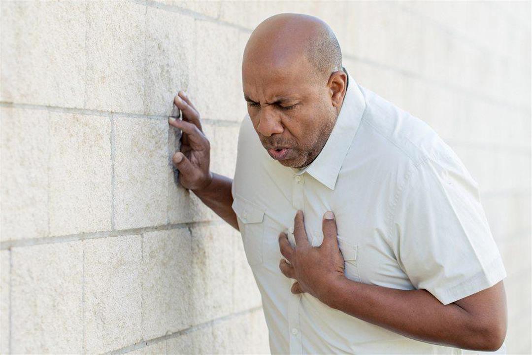 ألم الصدر.. الأسباب والأعراض والعلاج