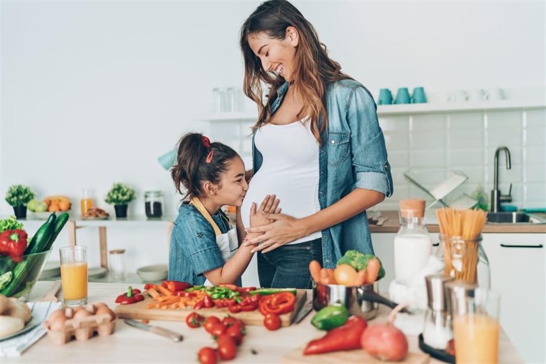 ماذا تأكلين في الأشهر الأولى من الحمل؟