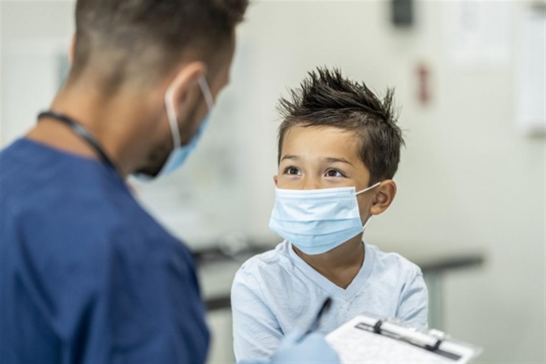 بشرى سارة للأمهات.. دولة تعتزم تطعيم الأطفال بلقاح كورونا قريبًا