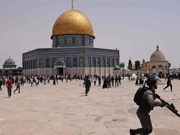 عشرات المستوطنين يقتحمون المسجد الأقصى بحراسة إسرائيلية