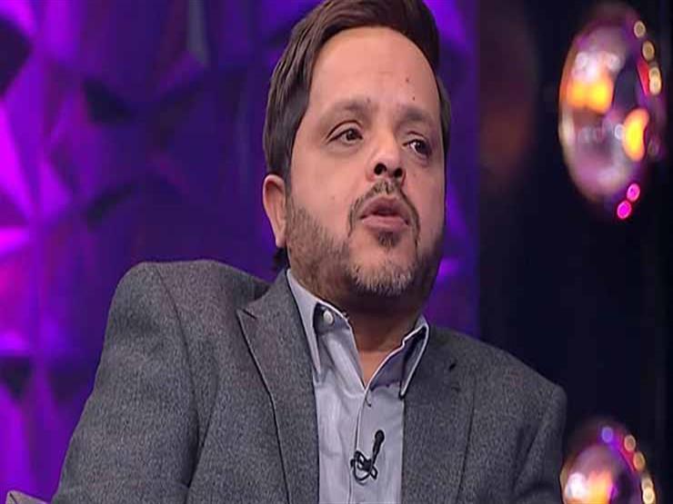 محمد هنيدي يسخر من صورة موديل أمريكية