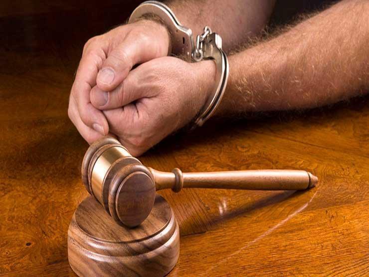 هشَّم رأسه.. اعترافات المتهم بقتل فرد أمن مصنع لسرقته في 15 مايو