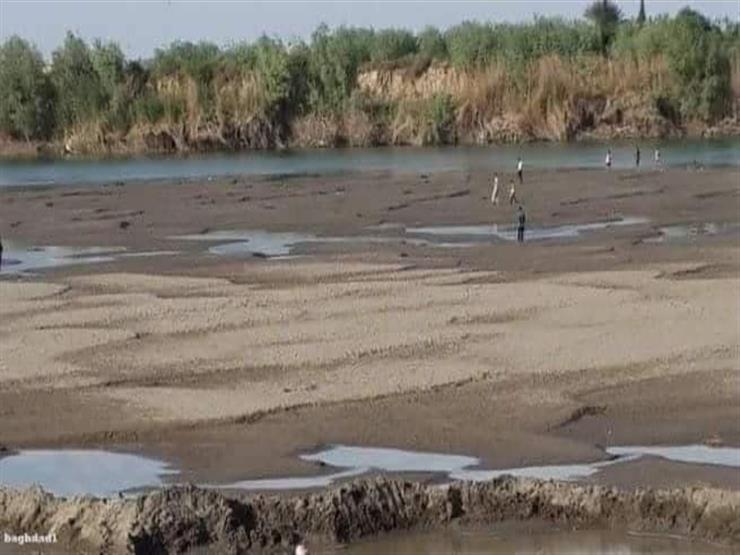نهر الفرات يلفظ أنفاسه بعد تراجع منسوب تدفقه