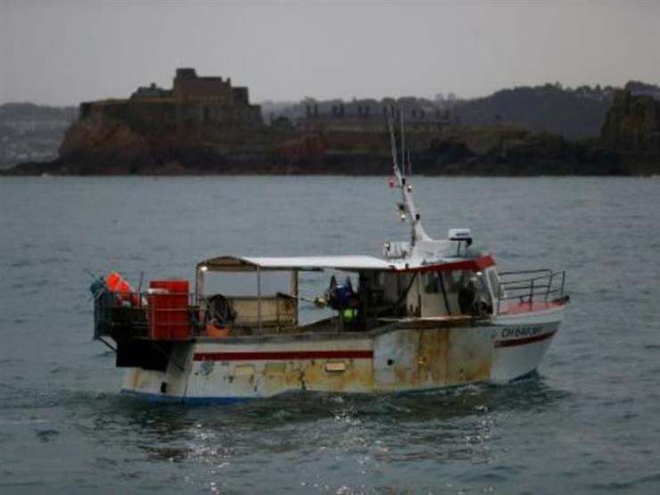 اختبار قوة لصيادي السماك الفرنسيين قبالة سواحل جزيرة جيرسي البريطانية