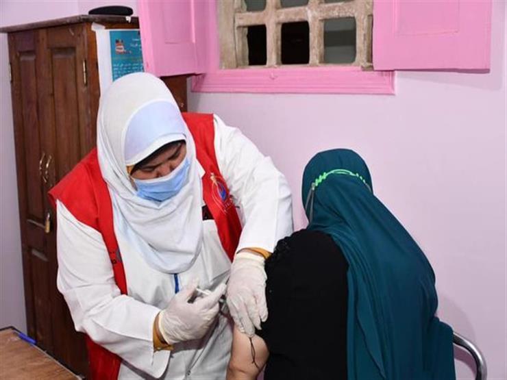 """مدير """"صحة الفيوم"""": إقبال كبير من المواطنين على التطعيم بلقاح كورونا"""