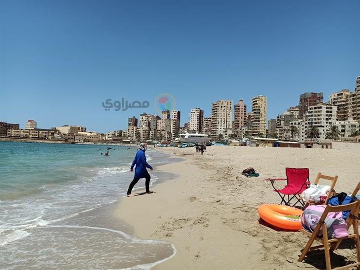 """""""الإكراميات"""".. صداع مزمن على شواطئ الإسكندرية في طريقه للزوال"""