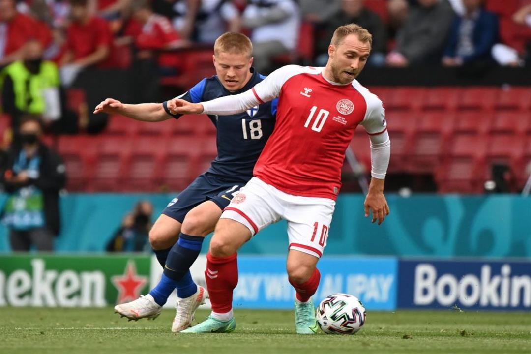 بعد سقوط إيركسن لاعب منتخب الدنمارك.. هكذا تنقذ مصابًا بأزمة قلبية