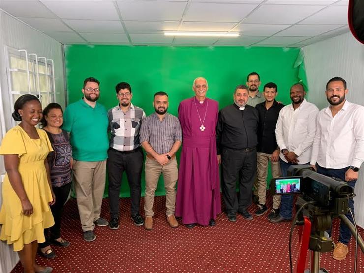 رئيس الأسقفية يطلع على مستجدات مشروع ترجمة الكتاب المقدس للصم