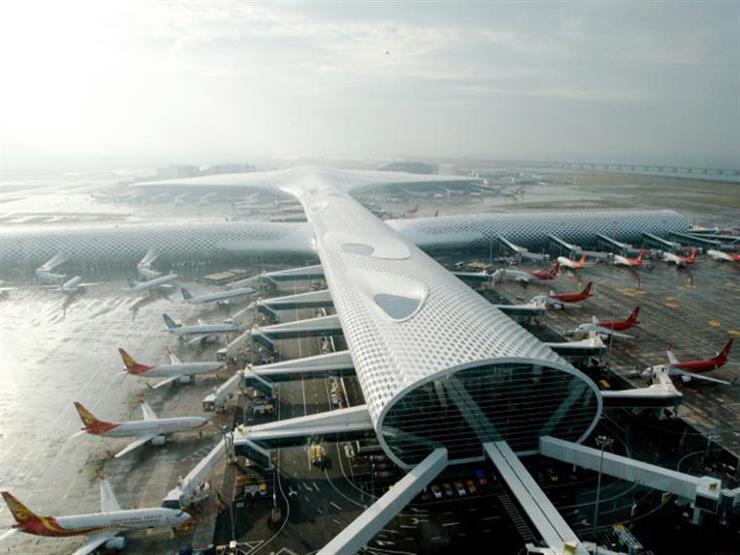 مطار شنجن الصيني يشدد القيود بعد إصابة بسلالة دلتا لكورونا
