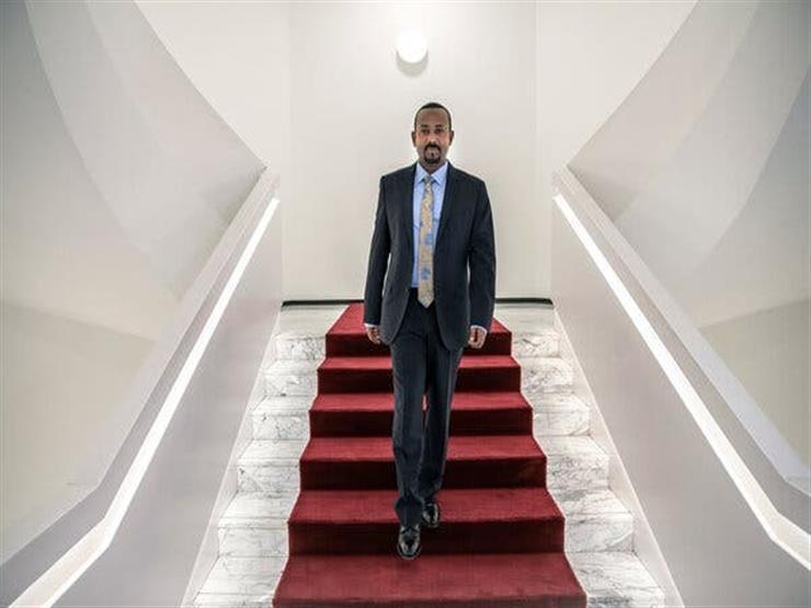 """كيف حطم آبي أحمد """"هالة نوبل للسلام"""" ودفع إثيوبيا للحرب الأهلية؟"""