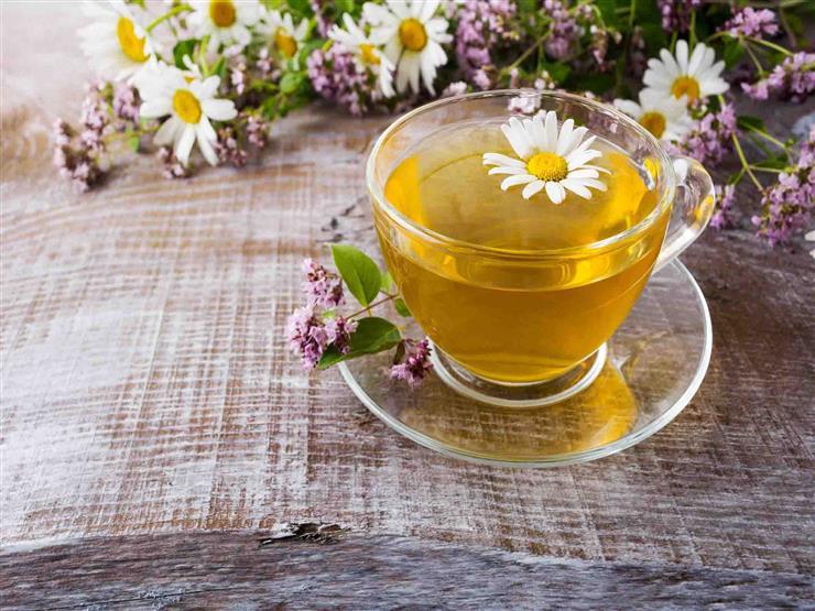 شاي البابونج.. كيف يحارب آلام الدورة الشهرية؟