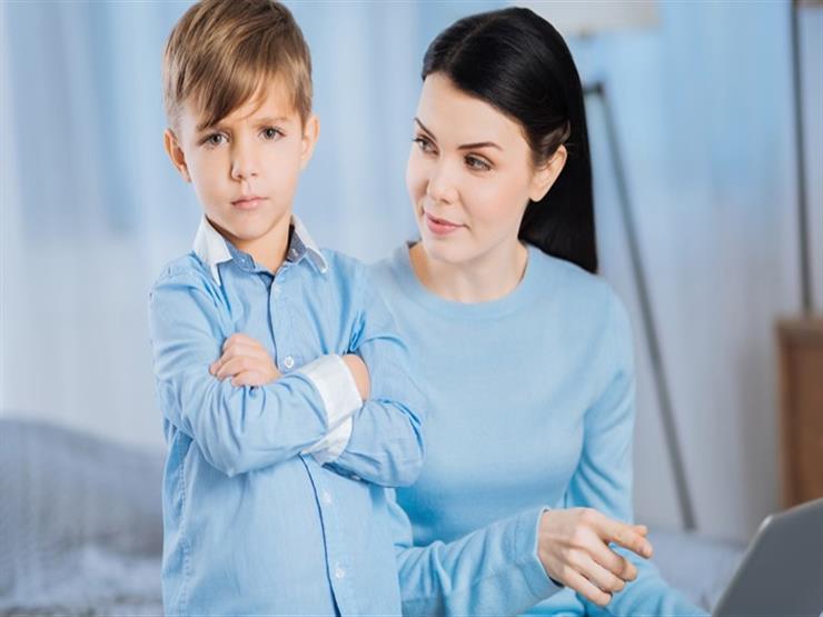 بـ5 طرق بسيطة.. كيف تتعامل مع طفلك كثير الشكوى