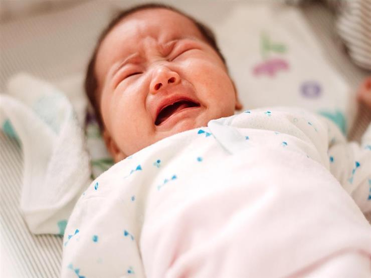 أبرزها البكاء.. 5 علامات تدل على أن معدة طفلك ممتلئة