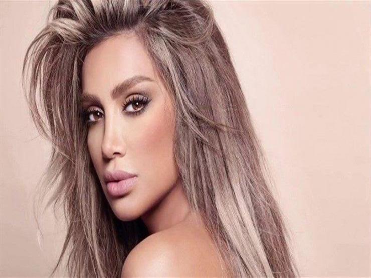 مايا دياب تقدم واجب العزاء لنانسي عجرم في وفاة حماتها