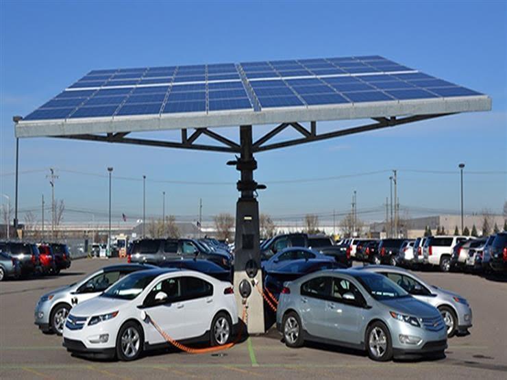 المرور تستخرج تراخيص سير لـ43 مركبة تعمل بالكهرباء في مايو 2021