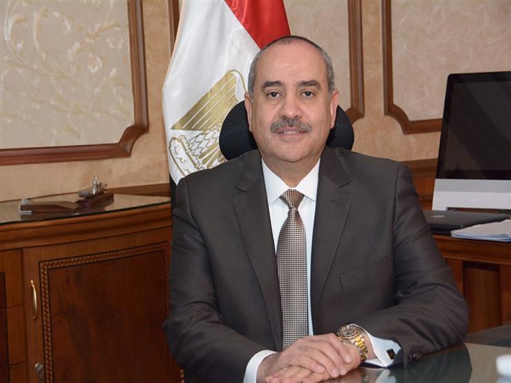 وزير الطيران يتفقد مبنى الركاب رقم ٣ بمطار القاهرة الدولي