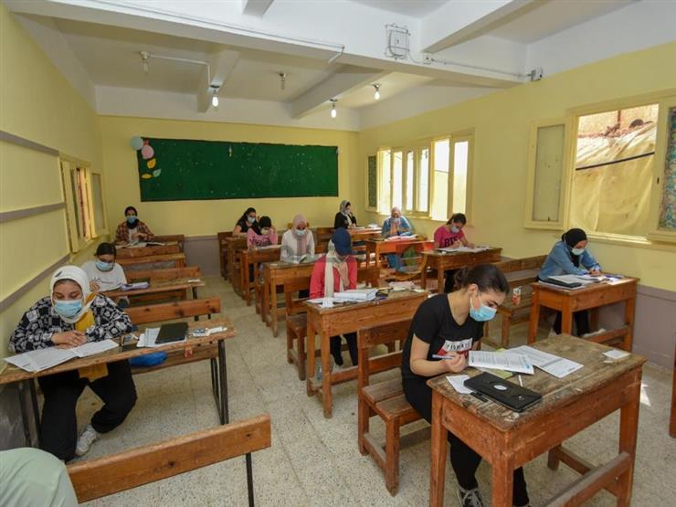 امتحان التاريخ.. تباين آراء طلاب الثانوية العامة