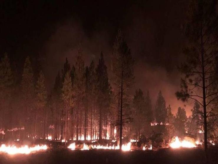 عناصر الإطفاء يكافحون لإخماد الحرائق في غرب الولايات المتحدة وكندا