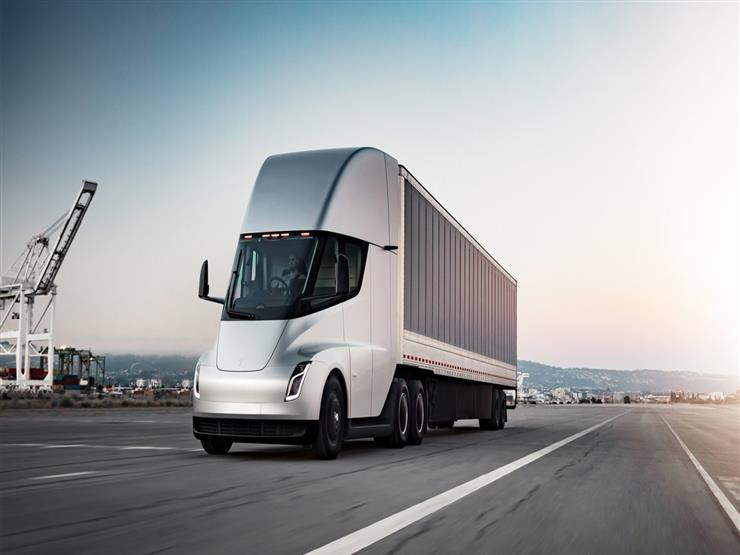 تيسلا تقترب من بدء إنتاج شاحنة شبه كهربائية بسعر يبدأ من 2.3 مليون جنيه